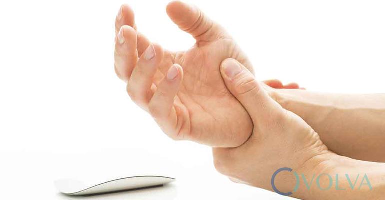 อาการมือชา สาเหตุ การบรรเทา และดูแลรักษาอย่างเหมาะสม